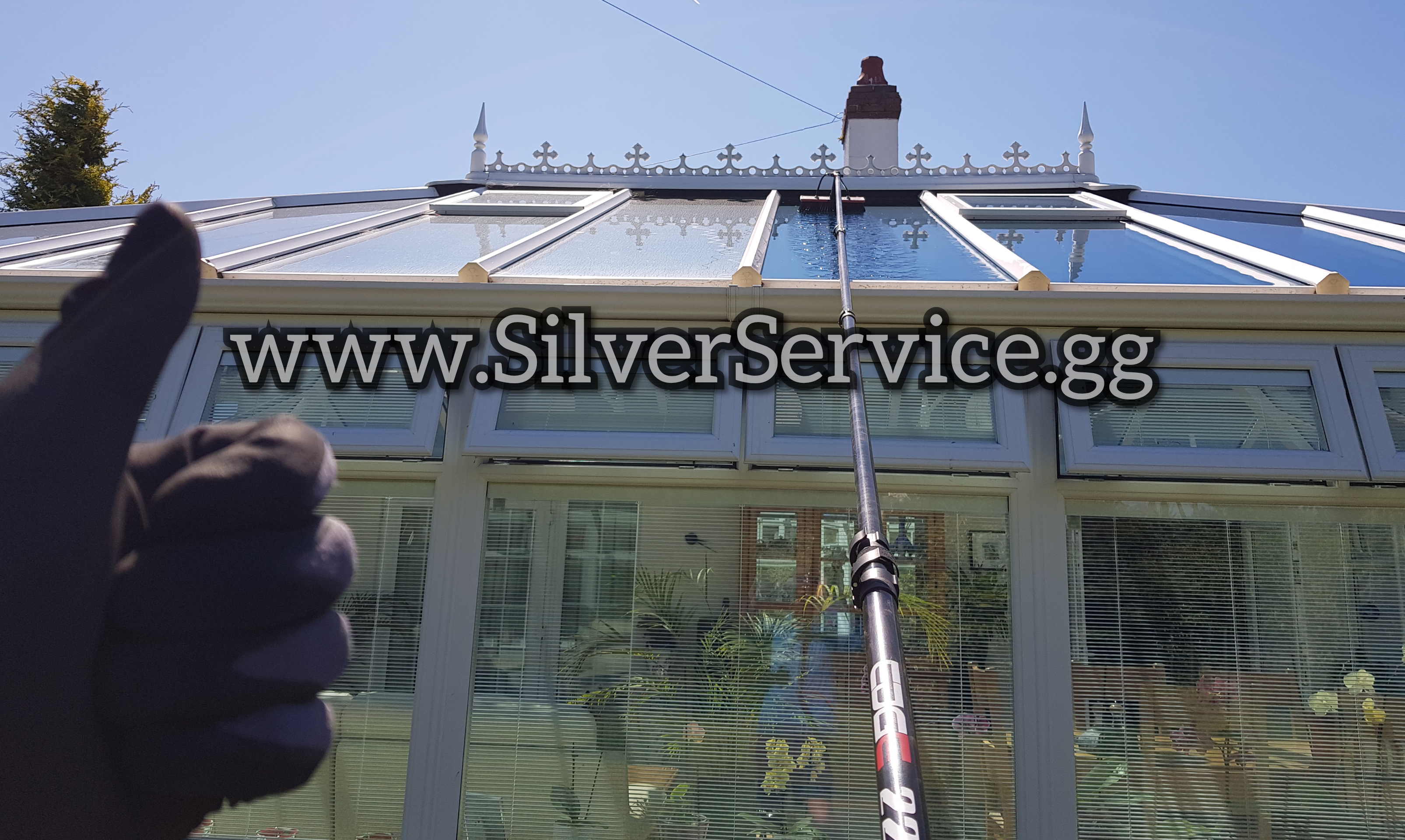 SILVER SERVICE WINDOW CLEANING